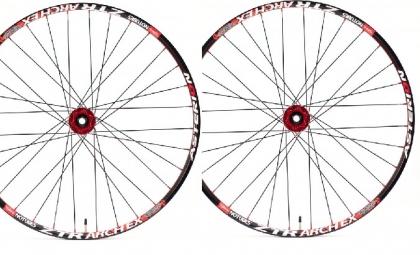 asterion paire de roues accessium am 29 moyeux aivee mt3 axes 15mm av 9mm ar rouge