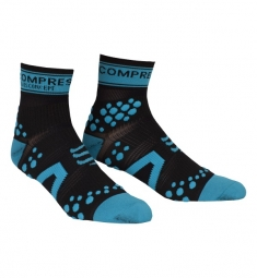 compressport paire de chaussettes racing socks v2 noir bleu