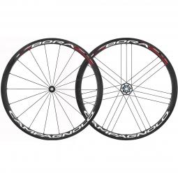 campagnolo paire de roues bora one 35 pneu corps campagnolo