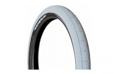 demolition pneu momentum gris