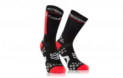 compressport paire de chaussettes pro racing sock v2 1 bike noir rouge
