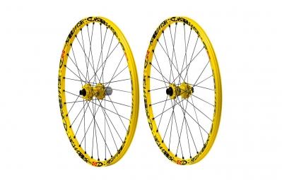 mavic paire de roues deemax dh 26 av 20 mm ar 12 x 150 mm corps shimano