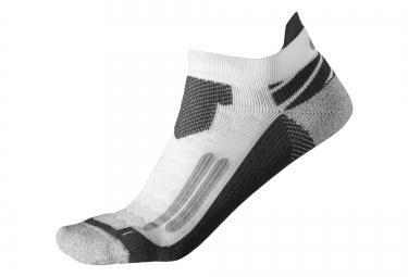 chaussettes asics nimbus st blanc gris