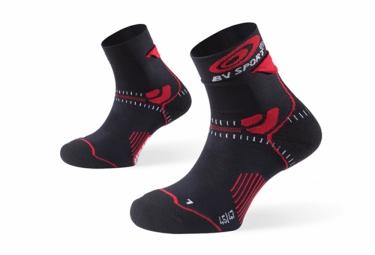 bv sport paire de chaussettes trail evolution noir rouge