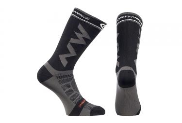 chaussettes hautes northwave extreme light pro gris noir 2017