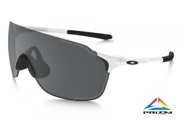 oakley lunettes evzero stride blanc black iridium ref oo9386 0138