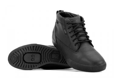paire de chaussures chrome storm pro workboot noir