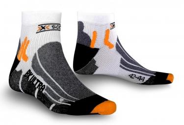 x socks paire de chaussettes bike ultralight blanc noir