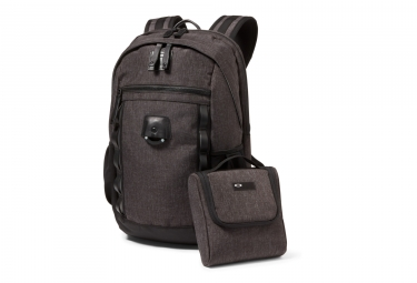 sac a dos oakley voyage 2 0 22l gris noir