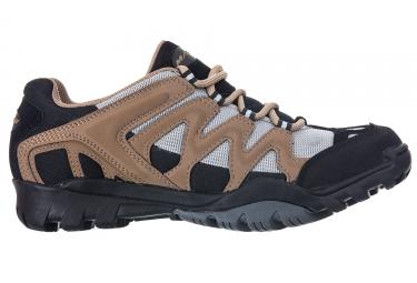 paire de chaussures massi trekking coyote beige noir