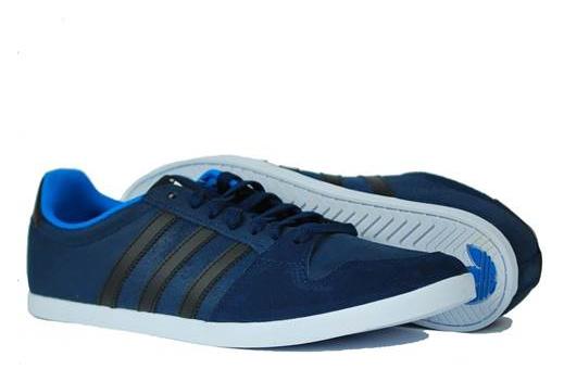 meilleur service 066b1 792bb Adidas Adilago Low