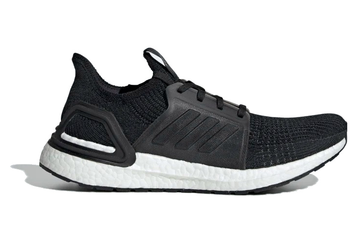 perro Volcán punto  Adidas UltraBoost Running Shoes Black / White | Alltricks.com