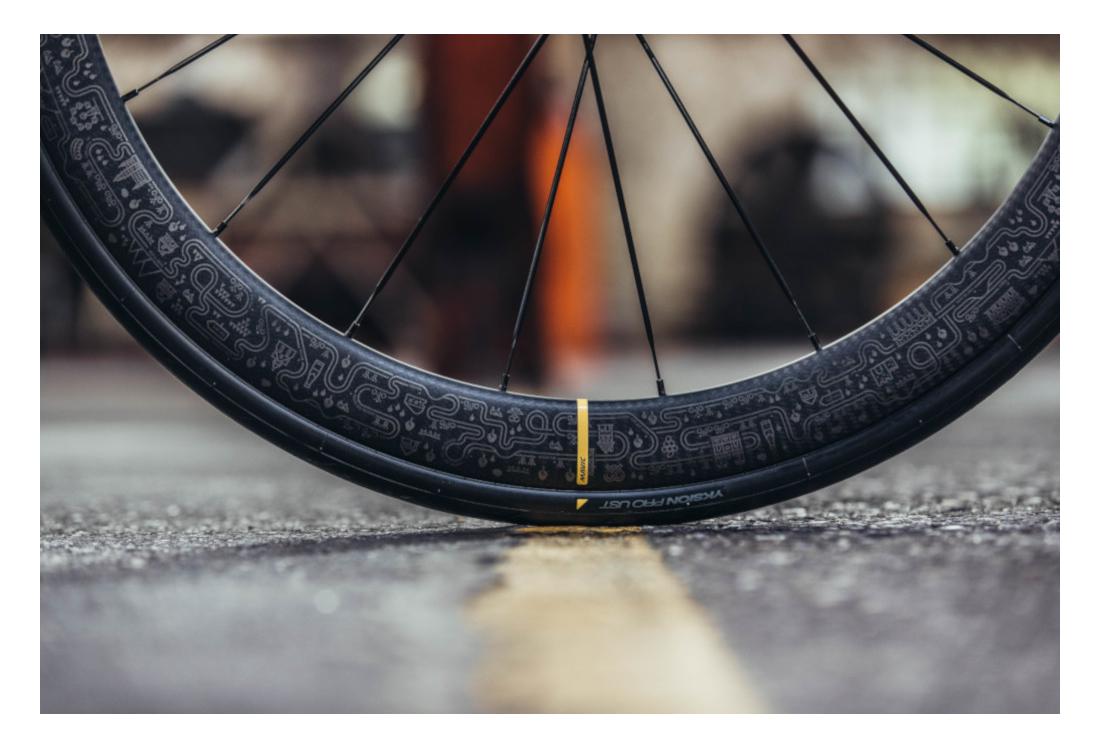 outlet store sale lowest price great deals Mavic Cosmic Pro Carbon SL Disc Wheel Set UST   12x100 - 12x142mm   Edition  Tour de France 2019