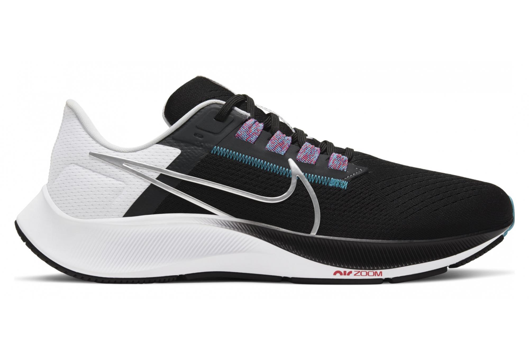 Paire de Chaussures Nike Air Zoom Pegasus 38 Noir Blanc / Argent