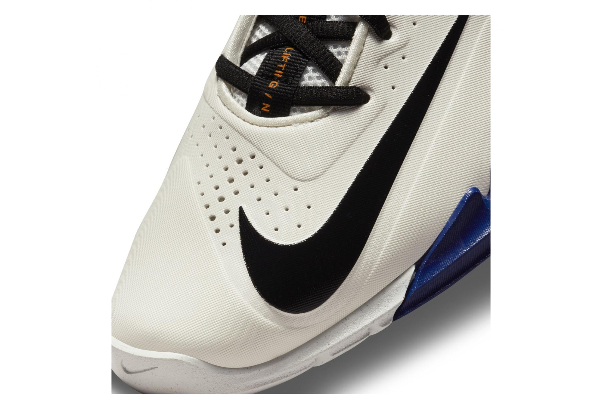 Chaussures d'Haltérophilie Femme Nike Savaleos Blanc Blanc / Bleu ...