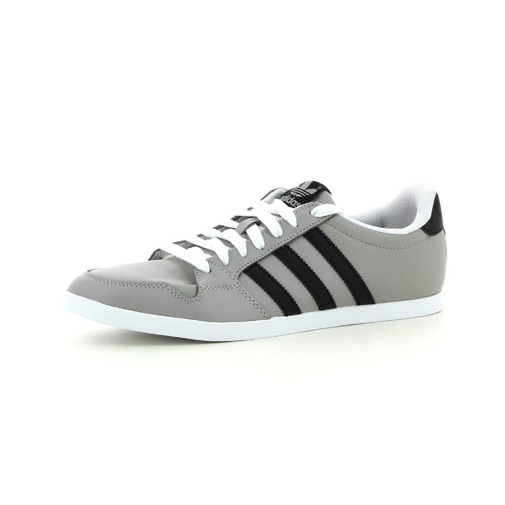 hot sale online 937e9 3c80a Baskets basses Adidas Originals Adilago Low