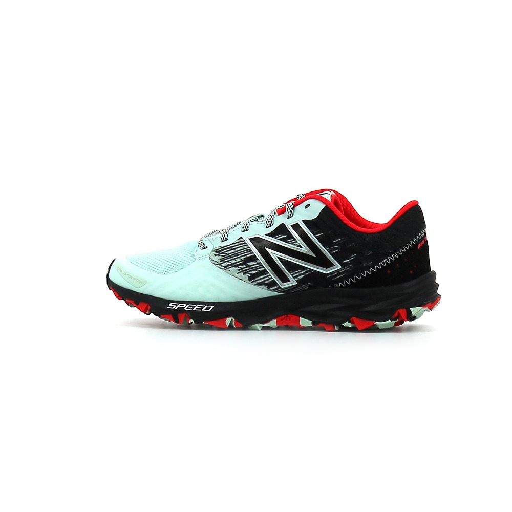 Chaussures de trail New Balance WT690 B