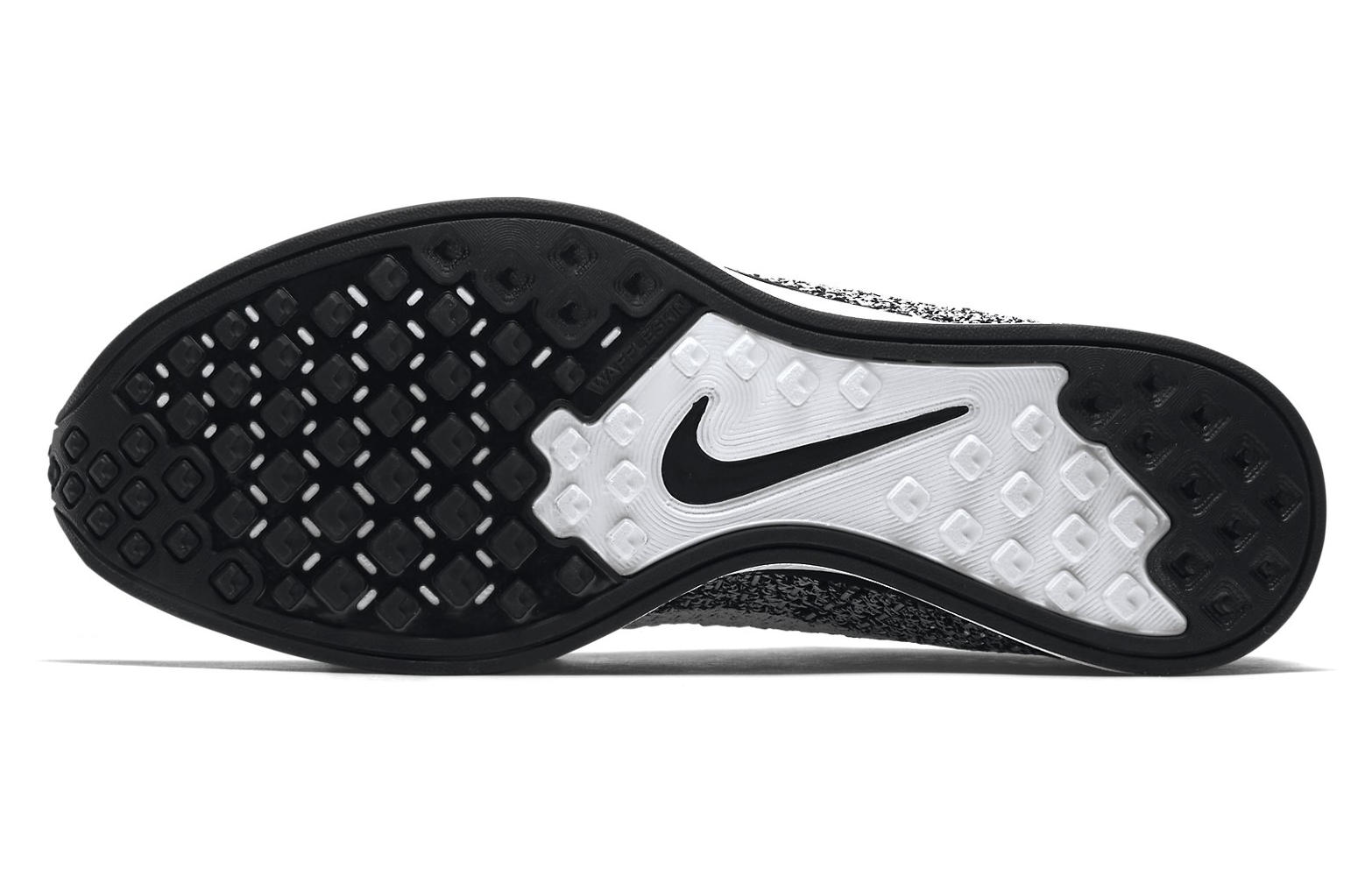 a8b8ffad NIKE Shoes FLYKNIT RACER OREO Black White | Alltricks.com