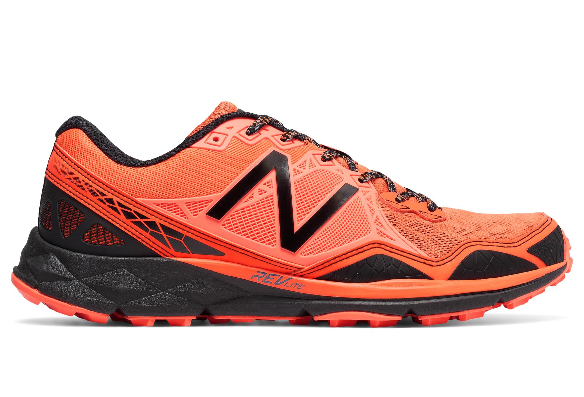 quality design 4109a f1232 Chaussures de Trail New Balance M Trail 910 V3 Orange   Noir