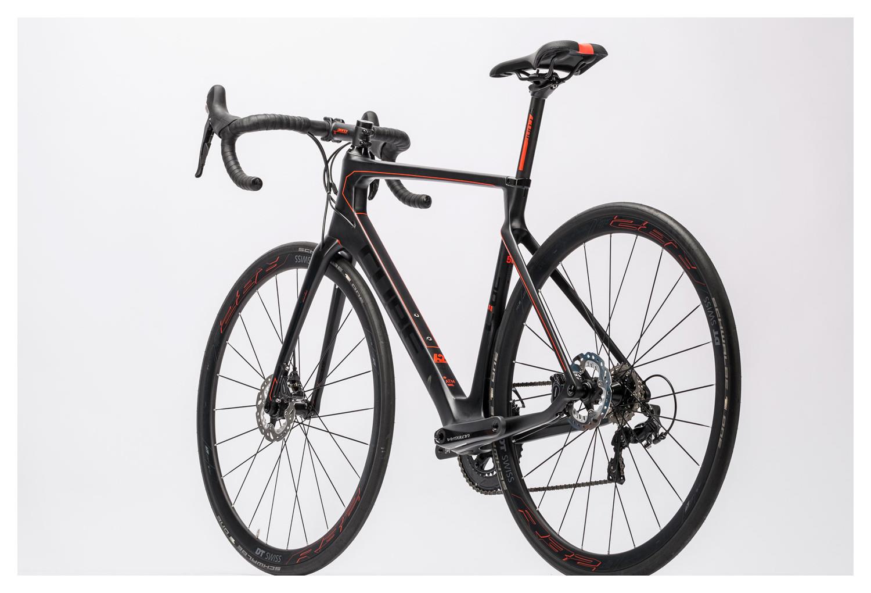 5266fcf29be294 Vélo de Route CUBE 2016 Agree C 62 Race Disc Shimano Ultegra 11v Noir Rouge