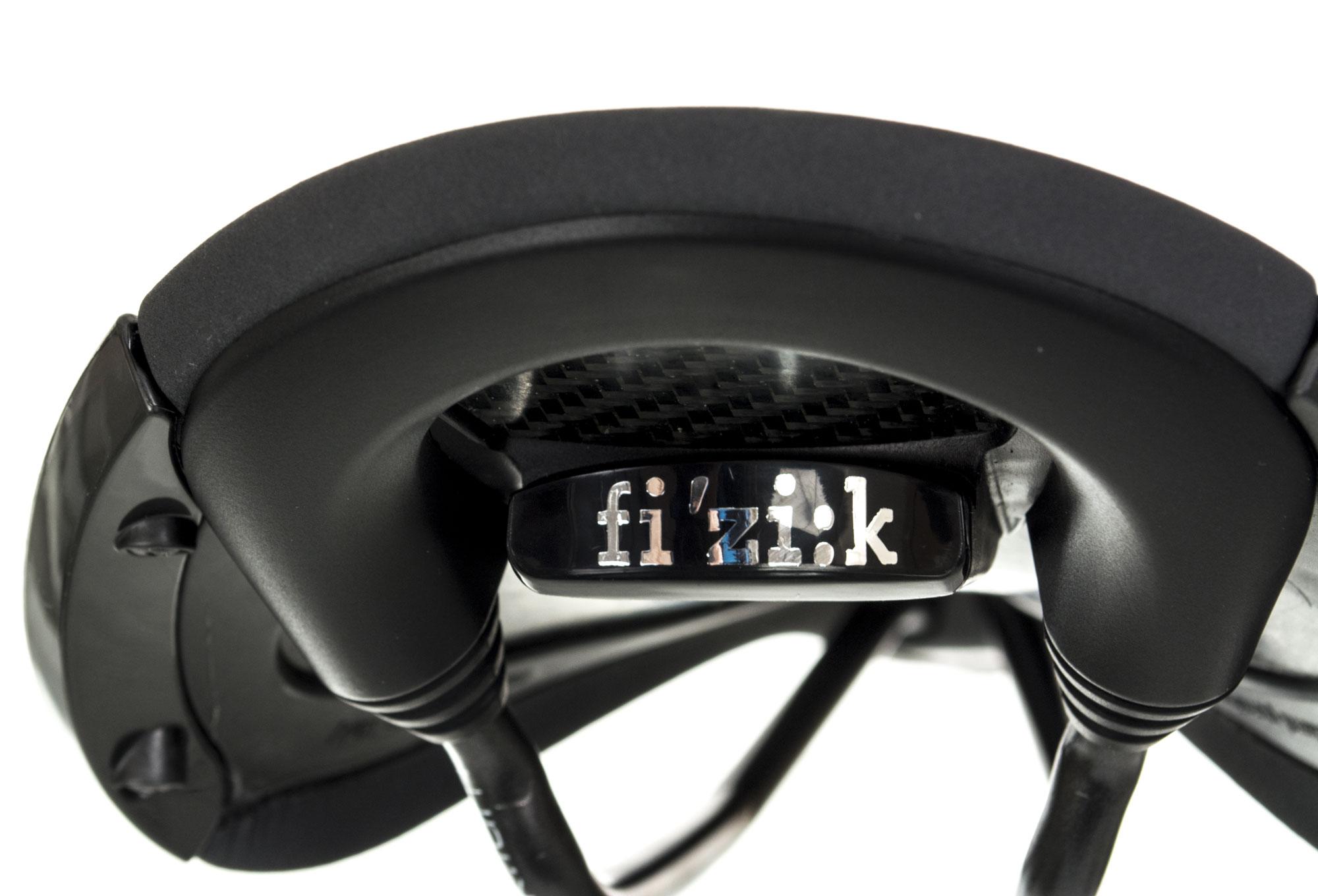 selle fizik aliante r3 k ium gris anthracite noir. Black Bedroom Furniture Sets. Home Design Ideas