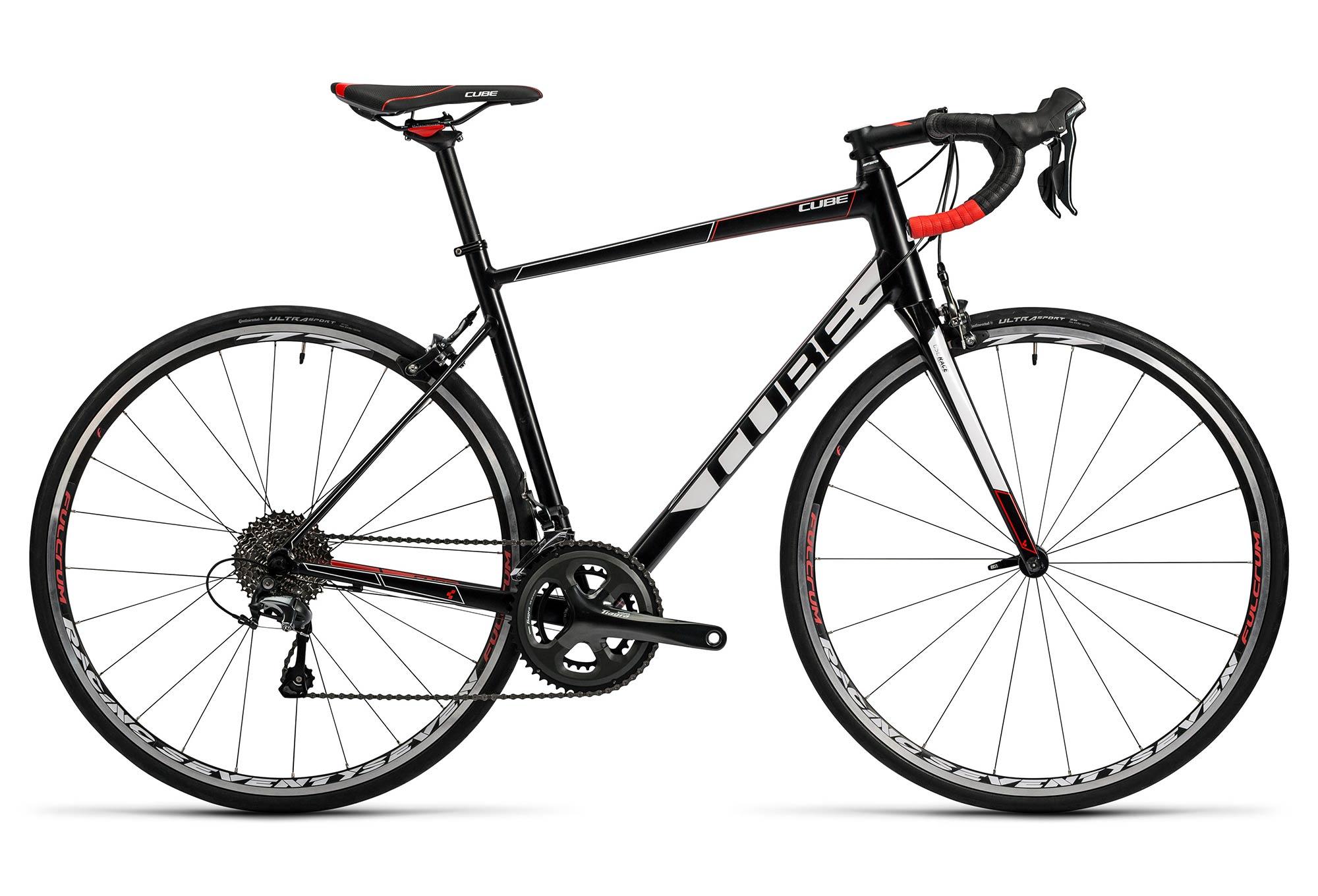 Vélo de Route Cube Attain Race Shimano Tiagra 10V 2016 Blanc Noir