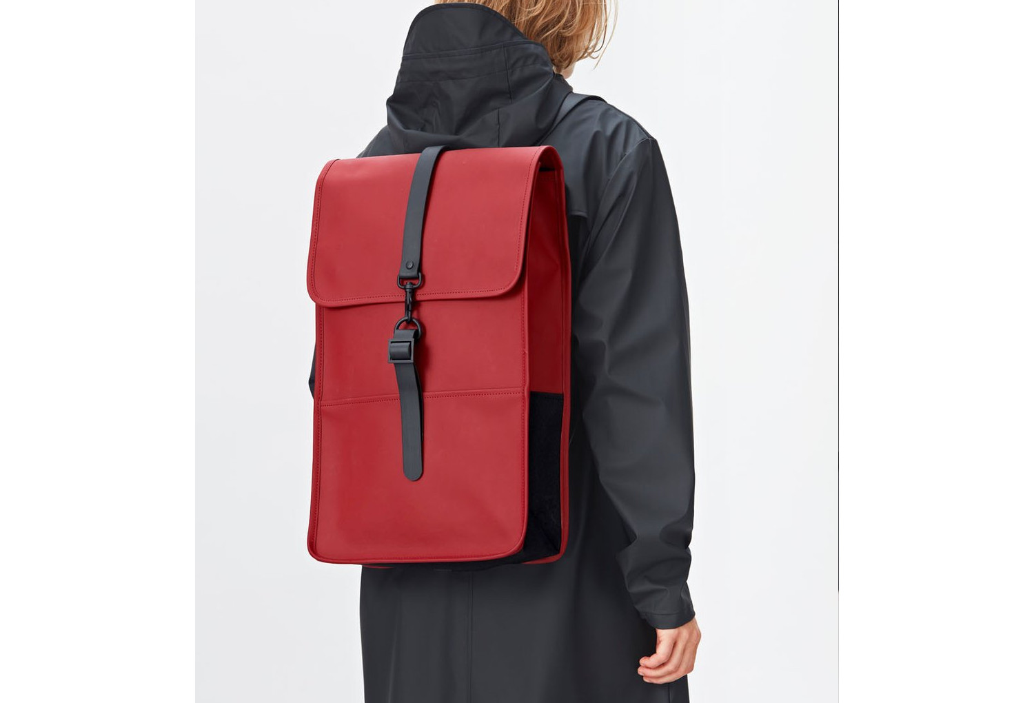 sac dos imperm able rains backpack scarlett rouge. Black Bedroom Furniture Sets. Home Design Ideas