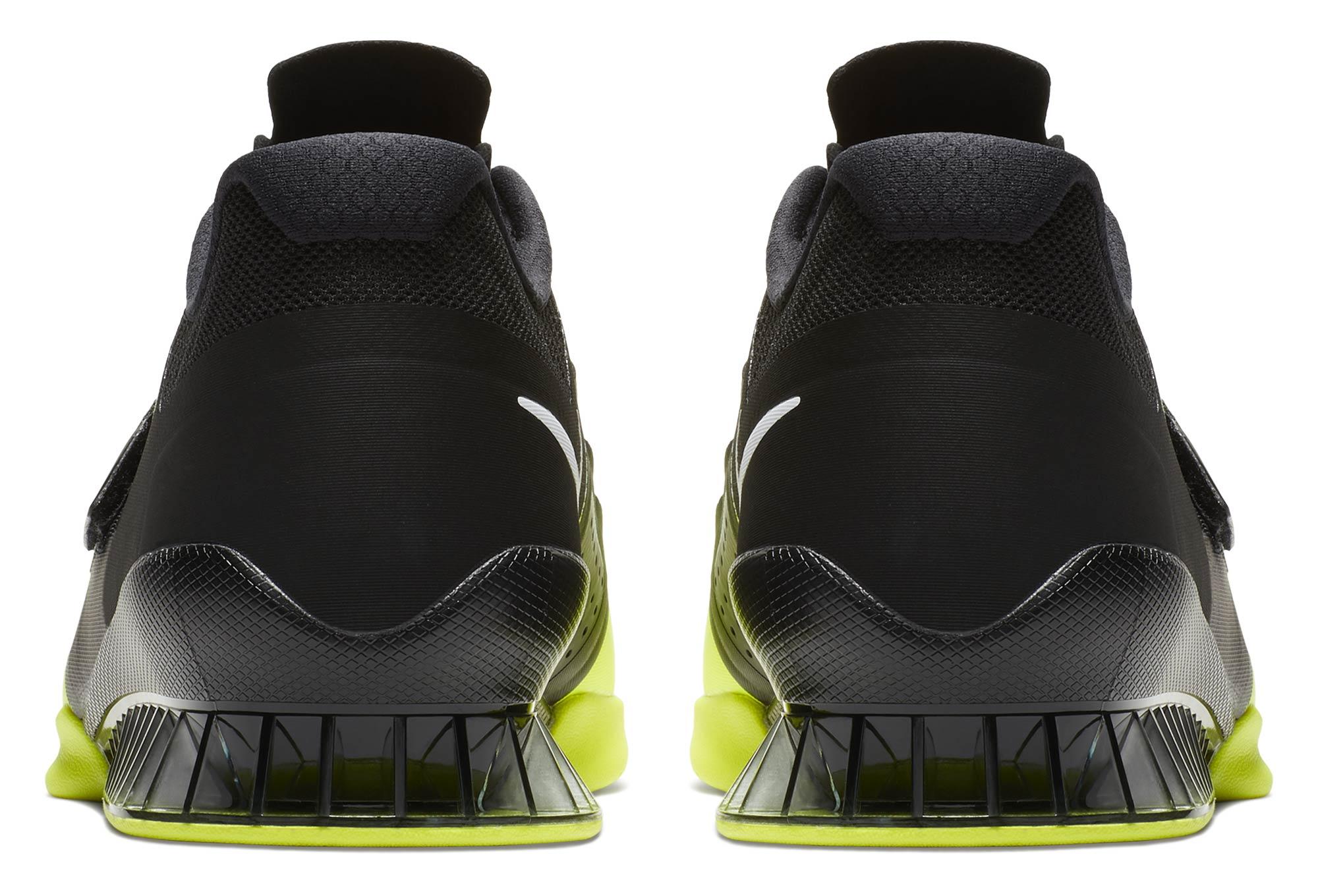 chaussures de cross training nike romaleos 3 noir jaune fluo. Black Bedroom Furniture Sets. Home Design Ideas