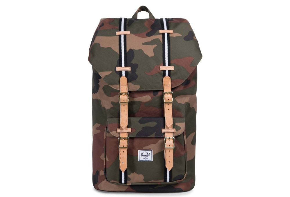 54ffab58751 HERSCHEL Little America 25L Woodland Camo Black White
