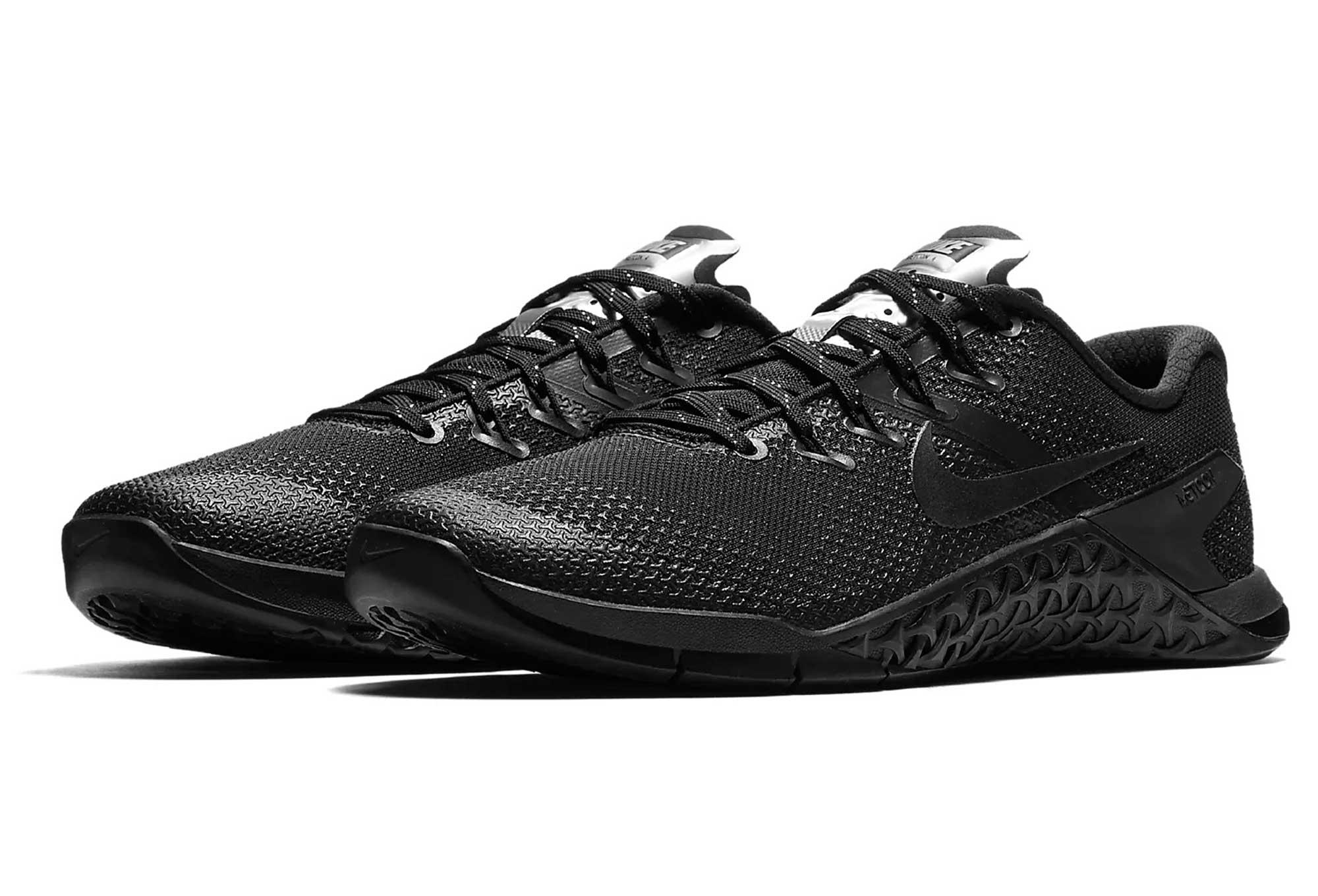chaussures de cross training femme nike metcon 4 selfie argent noir. Black Bedroom Furniture Sets. Home Design Ideas