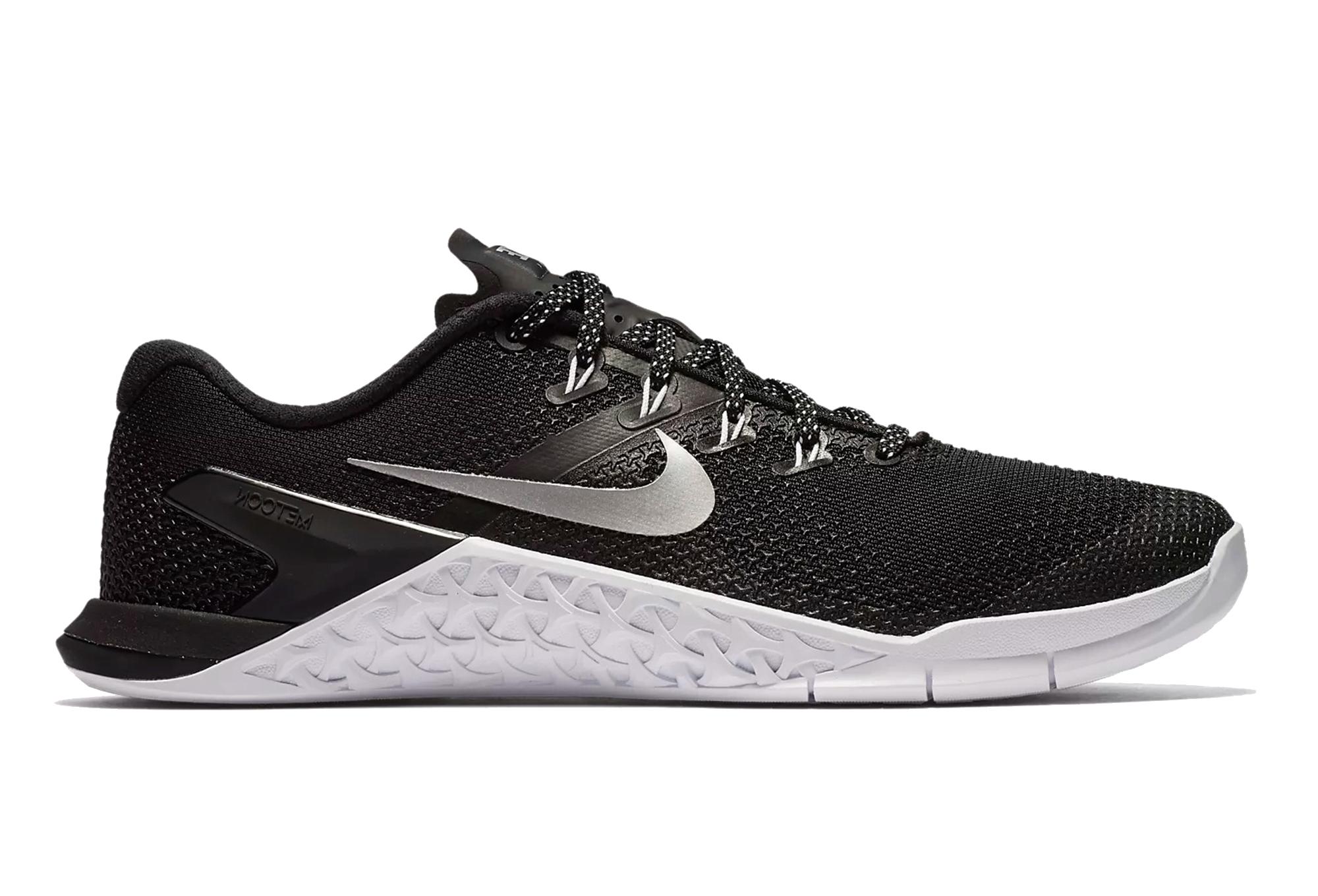 newest cac6b cce66 Chaussures de Cross Training Femme Nike Metcon 4 Noir   Blanc