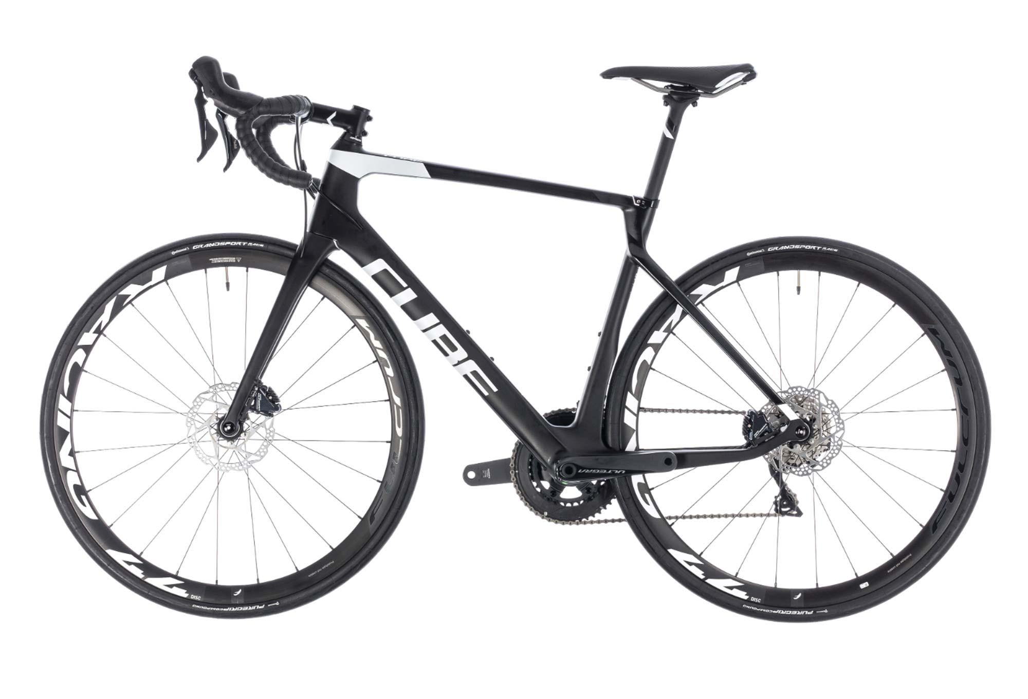 bfcddbf87934f7 Vélo de Route Cube Agree C 62 Race Disc Shimano Ultegra 11V Noir   Blanc  2018