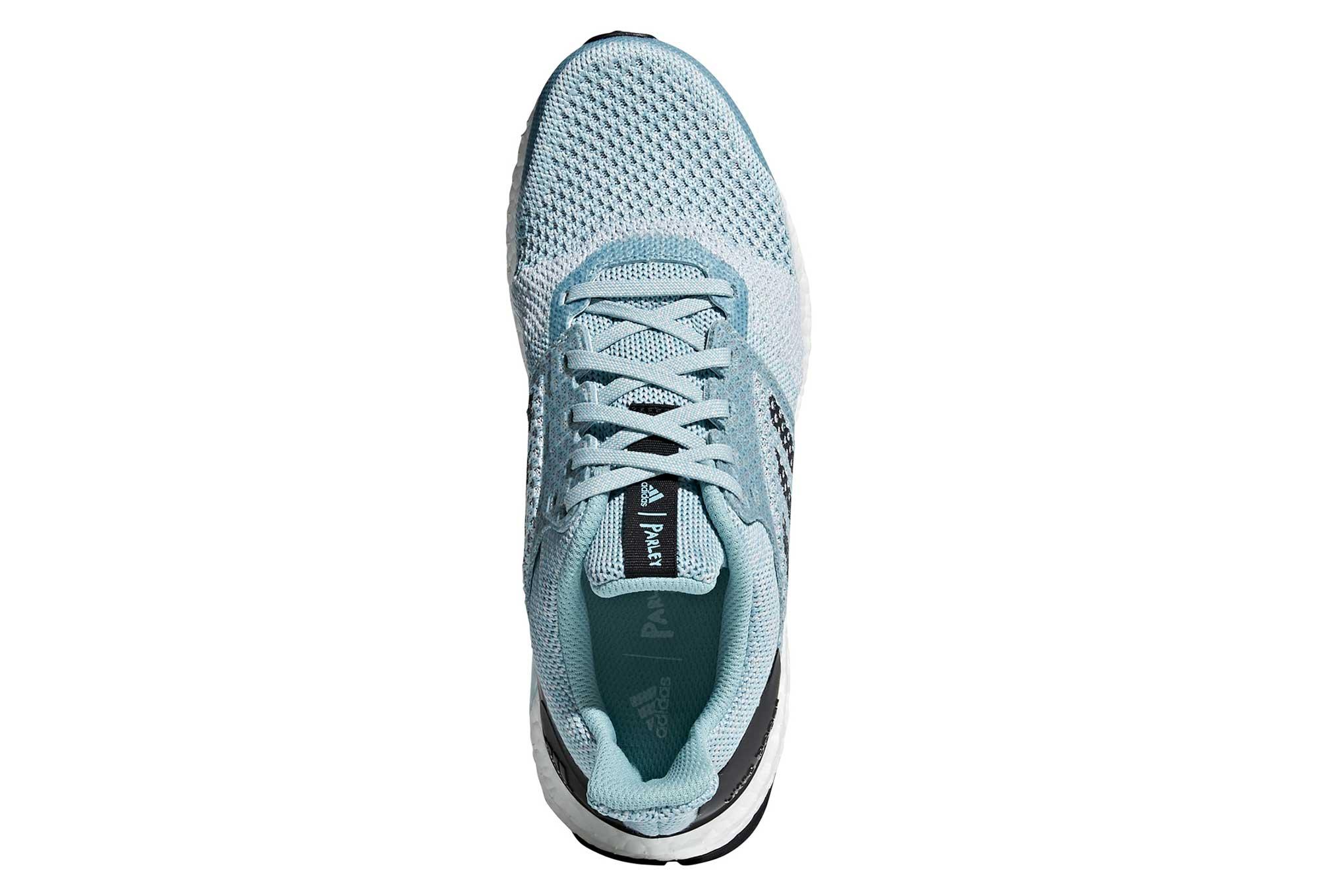 adidas läuft mit Ultraboost ST Parley Light Blue Women