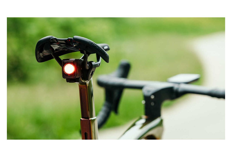 DEL Rouge Sécurité Vélo Lumière Lampe de poche AA Remplacer Batterie monter sur le rack arrière