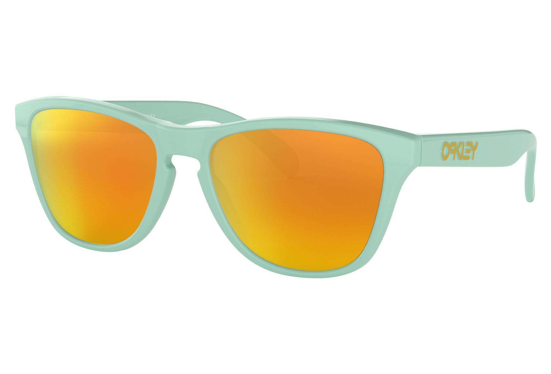0f1817a2664fa Oakley Gafas de sol Frogskins XS Youth Arctic Surf   Fire Iridium ...