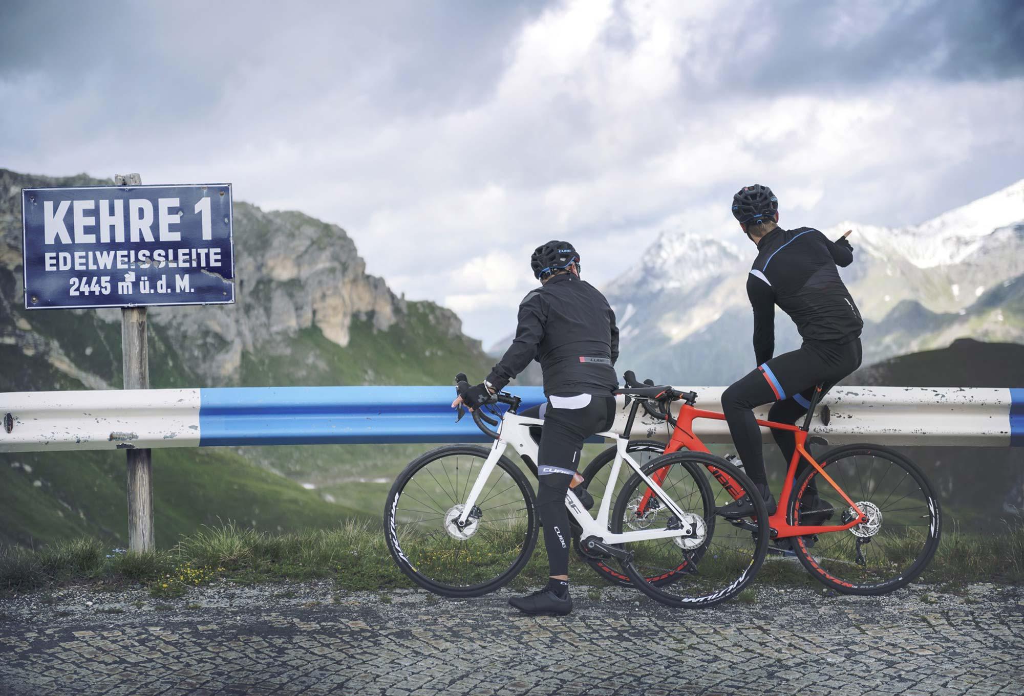 f1ecbe25a06fe9 Vélo de Route Électrique Cube Agree Hybrid C 62 SL Disc Shimano Ultegra 11V  Blanc Noir 2018