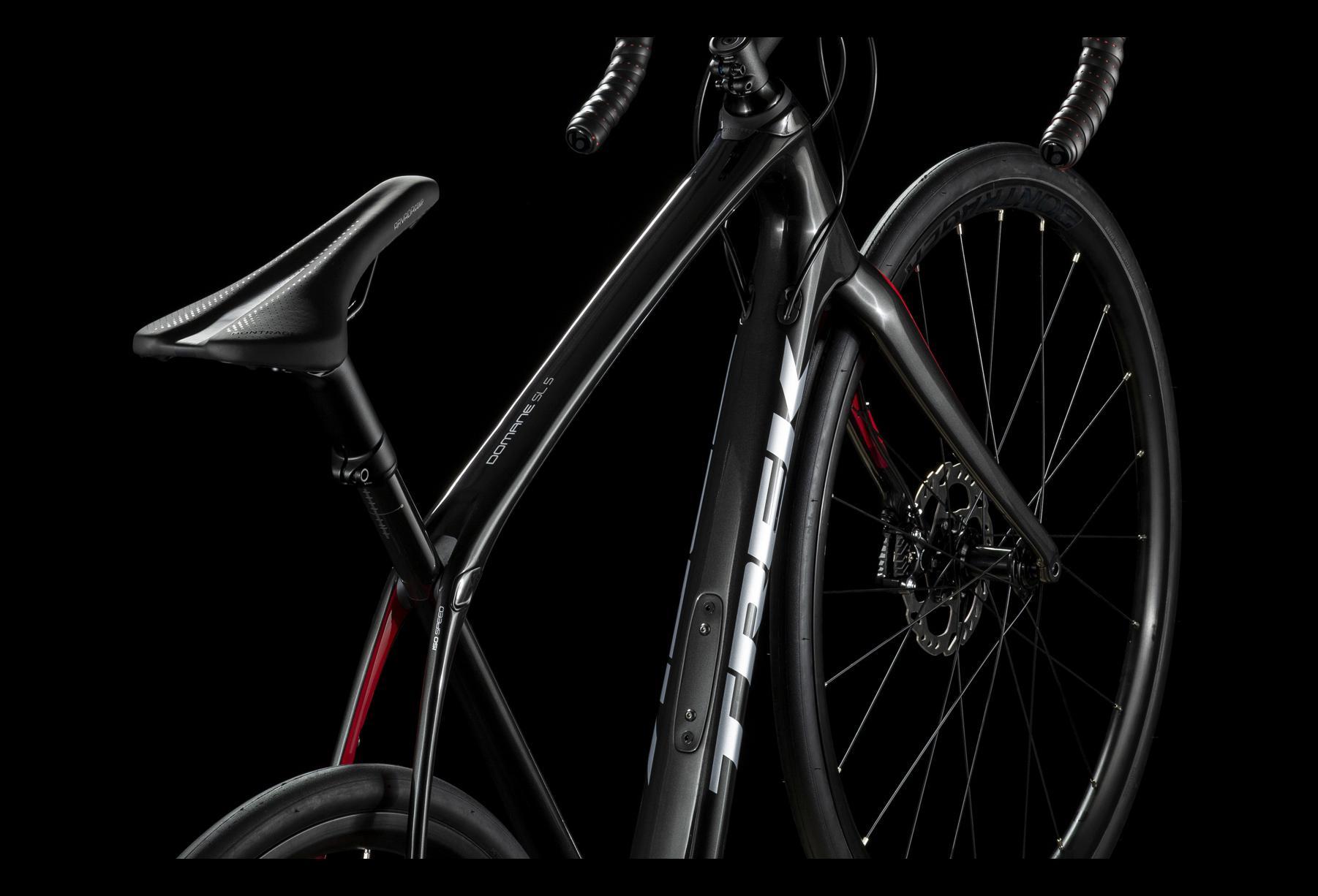 Trek Domane SL 5 Disc Road Bike 2019 Shimano 105 11S Black/Red