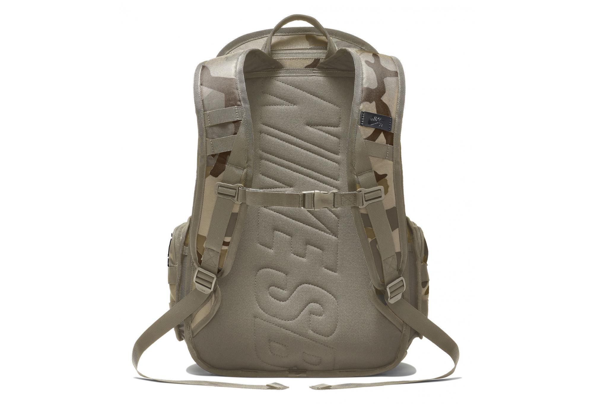 Bagages Sacs à dos: Trouver des produits Guess sur hypershop.