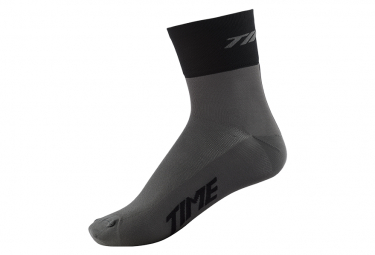 TIME BIKE SOCKS 01
