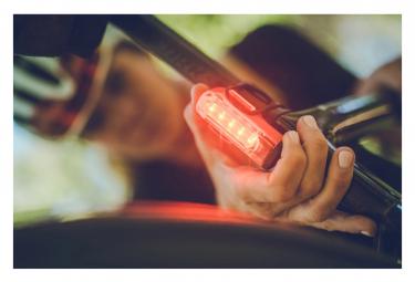 Éclairage Arrière Lezyne Strip Drive Pro Rear Rouge