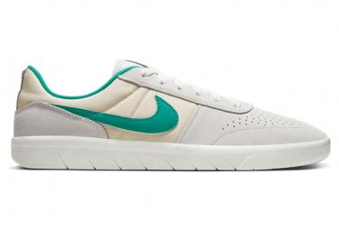 Nike SB Team Classic Shoes Beige / Green