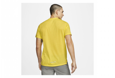 Maillot Manches Courtes Nike Rise 365 Jaune Homme