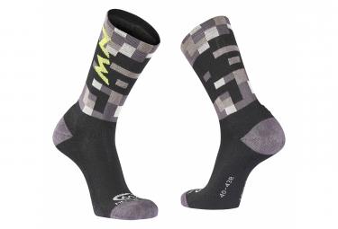 Pair of Northwave Core Socks Gray / Fluo Yellow