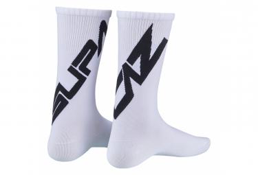 Paar Supacaz SupaSox Straight Up SL Socken