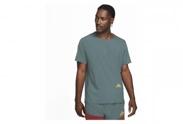 Camiseta Nike Dri Fit Rise 365 Trail Manga Corta Verde M
