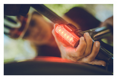 Éclairage Arrière Lezyne Strip Drive Pro Rear Noir