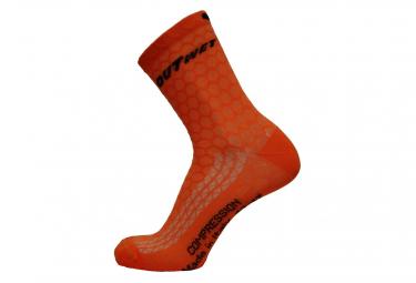 Image of Chaussettes mi mollet outwet comp orange fluo 38 42