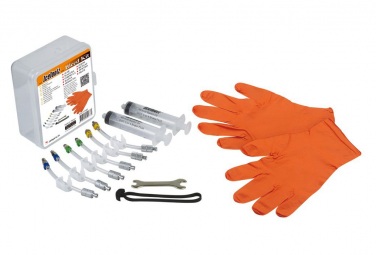 IceToolZ Universal Brake Bleeding Kit