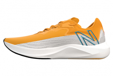 Chaussures New Balance fuelcell rebel v2