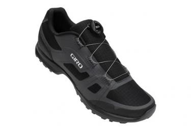 Pares de zapatillas MTB Giro Gauge Boa negras